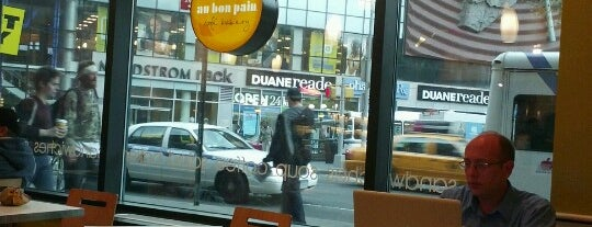 Au Bon Pain is one of Orte, die Aash gefallen.