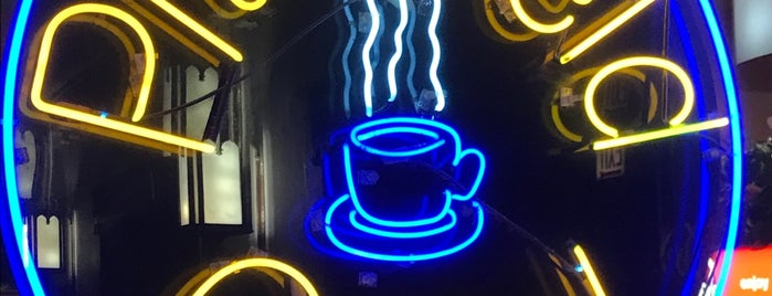 Pittsfield Cafe is one of Guy'un Beğendiği Mekanlar.