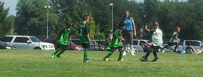 Memorial Park Soccer Complex is one of Posti che sono piaciuti a Víctor.