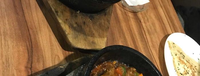 Bedouin Arabian Cuisine is one of Posti che sono piaciuti a Rahmat.