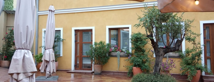 Il Riccio is one of Tempat yang Disukai Alekseeva✌❤💗💋😘💋💋💋💋.
