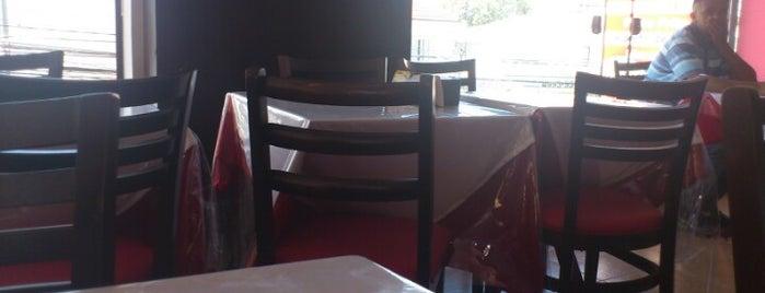 Lunanis Cafe is one of สถานที่ที่ Mônica ถูกใจ.