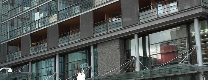Rotterdamin terassi is one of Lieux sauvegardés par Irina.