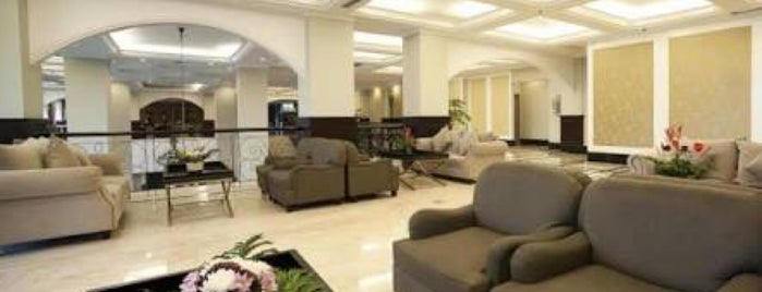 Royal Kuningan Hotel Lounge is one of LOUNGE & BAR.