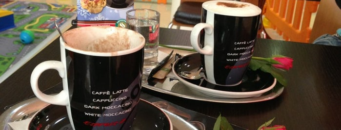 Caffee Bird is one of Tempat yang Disukai Irina.