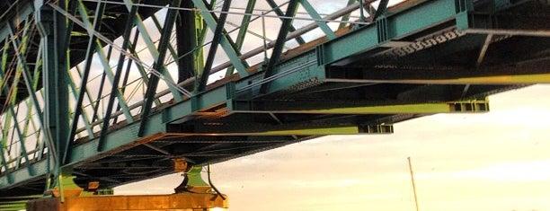 Ponte Eiffel is one of Lugares favoritos de Sofia.