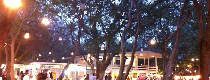 Cicada Market is one of Hua hin.