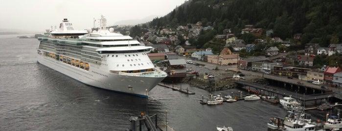 Cruise Ship Port is one of Posti che sono piaciuti a Christian.