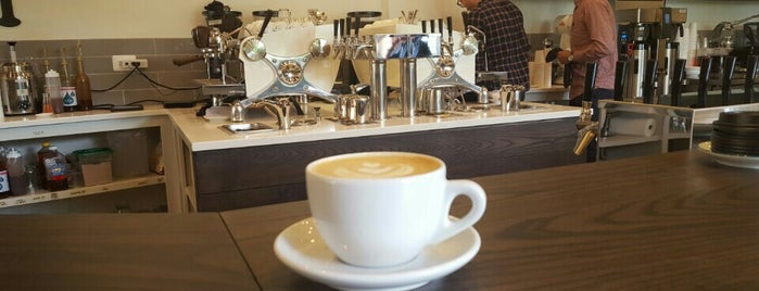 Ipsento 606 is one of Chicago Coffee Shops to Check Out.