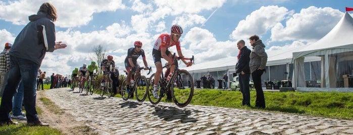 Vélodrome couvert de Roubaix is one of Ville de Fleury-sur-Orne 님이 좋아한 장소.