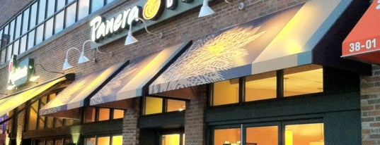 Panera Bread is one of Orte, die Philipp gefallen.