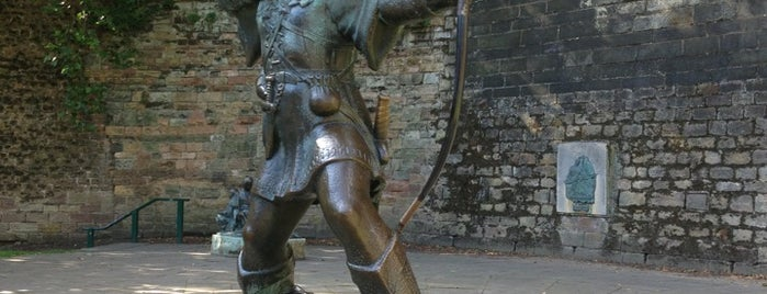 Robin Hood Statue is one of Locais curtidos por Carl.