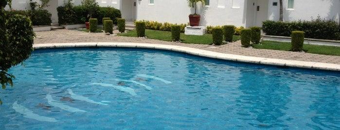 Villa Bejar Hotel Cuernavaca is one of สถานที่ที่ LEON ถูกใจ.