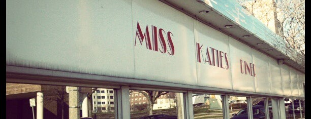 Miss Katie's Diner is one of Lindaさんの保存済みスポット.