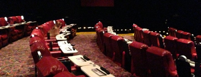 AMC Dine-In Theatres Marina 6 is one of Posti che sono piaciuti a Nobody.