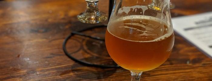 Empire Farm Brewery is one of Locais curtidos por Parker.