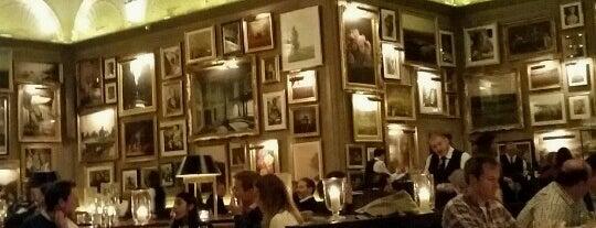Berners Tavern is one of Tempat yang Disukai Chris.