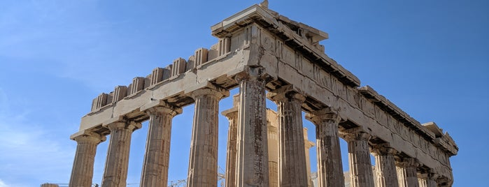 Parthenon is one of Orte, die Chris gefallen.