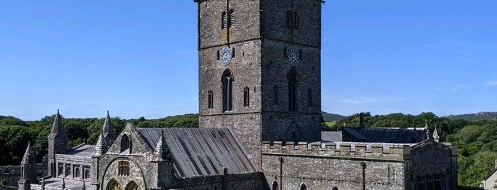 St Davids Cathedral is one of Posti che sono piaciuti a Chris.