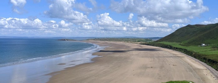 Rhossili Bay is one of Chrisさんのお気に入りスポット.