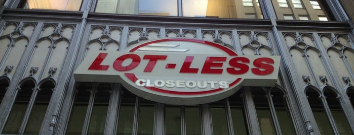 Lot Less Closeouts is one of Orte, die David gefallen.