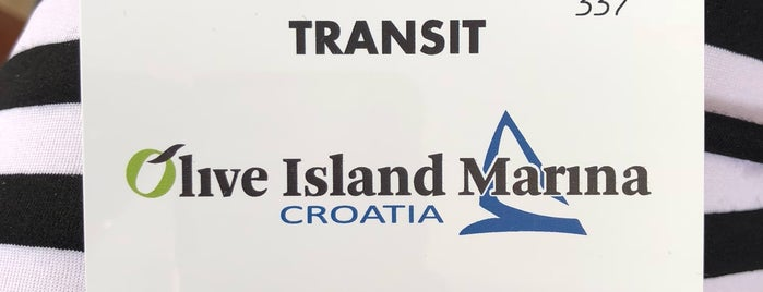 Olive Island Marina is one of Anton : понравившиеся места.