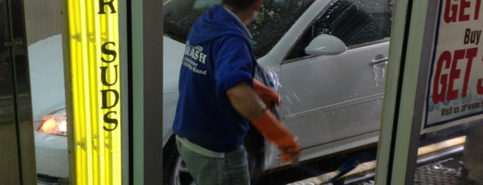 Wantagh Hand Car Wash is one of Williamさんのお気に入りスポット.