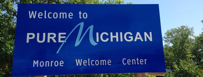 Michigan Welcome Center is one of Lugares favoritos de Andrew.