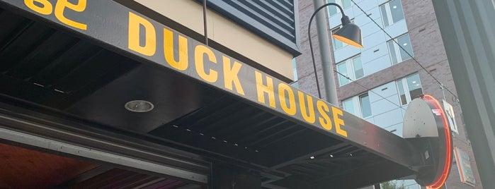 Duck House is one of Orte, die Haley gefallen.