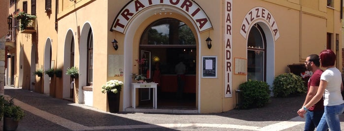 Pizzeria Adria is one of Orte, die Stefan gefallen.