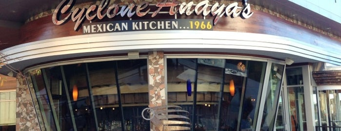 Cyclone Anaya's Mexican Kitchen is one of Lugares favoritos de John.