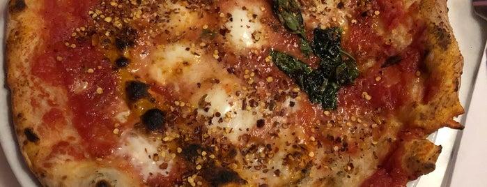 pizzeria montana is one of Merve'nin Kaydettiği Mekanlar.