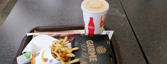 Burger King is one of สถานที่ที่ Çiçek ถูกใจ.