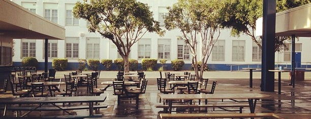 Venice High School is one of danaさんのお気に入りスポット.