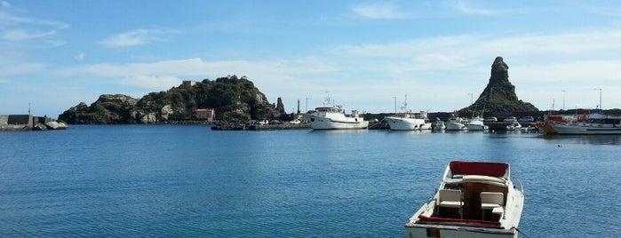 Porto di Acitrezza is one of สถานที่ที่ Simona ถูกใจ.