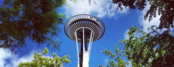 Space Needle is one of Locais salvos de Queen.