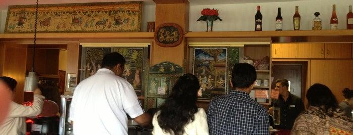 Kohinoor - Indisches Restaurant is one of สถานที่ที่ Andrea ถูกใจ.