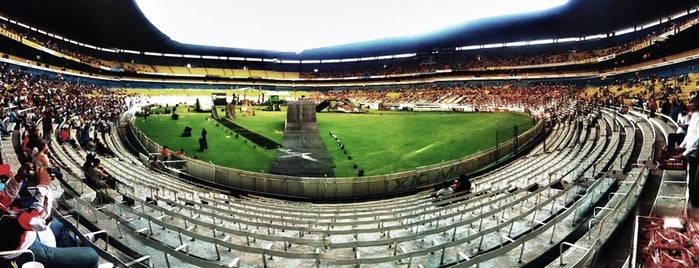 Estadio Jalisco is one of Orte, die Jhalyv gefallen.