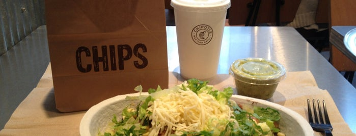 Chipotle Mexican Grill is one of Dana 님이 좋아한 장소.