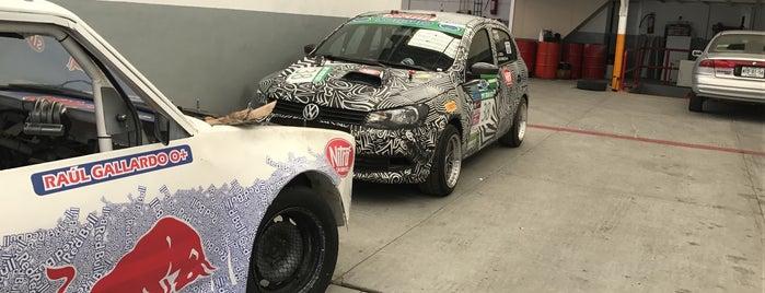 Nitro Car Service is one of Lugares favoritos de Manuel.