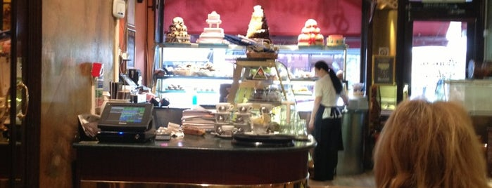 Patisserie Valerie is one of Еда лондон.
