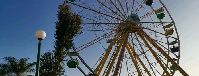 Ferris Wheel is one of Queen'in Kaydettiği Mekanlar.