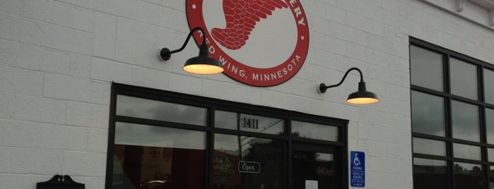 Red Wing Brewery is one of Lugares favoritos de Stuart.