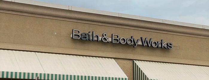 Bath & Body Works is one of Lugares favoritos de Terri.