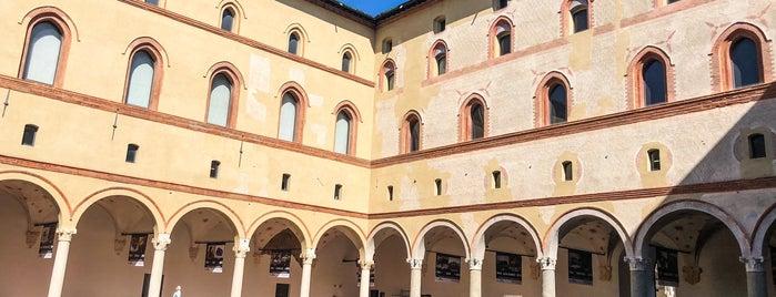 Castillo Sforzesco is one of Lugares favoritos de Дарина.