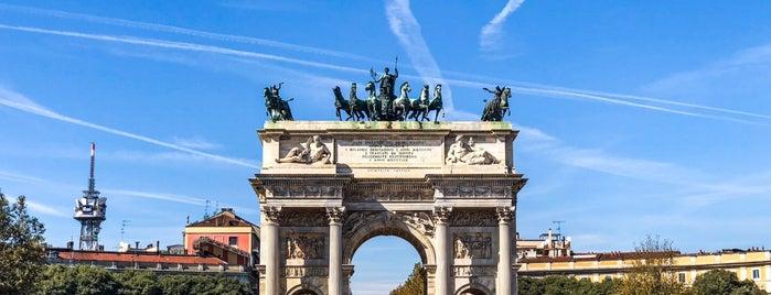 Arco della Pace is one of Lugares favoritos de Дарина.