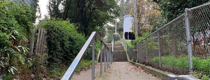 Coleridge Mini Park is one of Jess'in Kaydettiği Mekanlar.