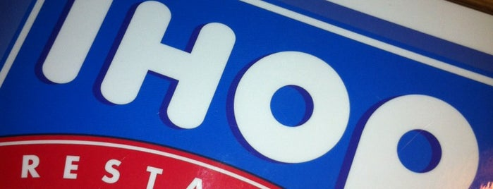 IHOP is one of Locais curtidos por Chris.
