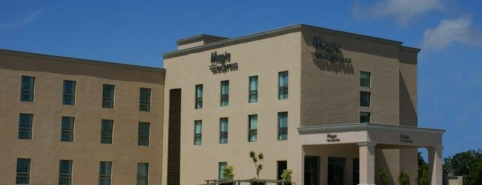 Magic Express Hotel is one of Macini : понравившиеся места.