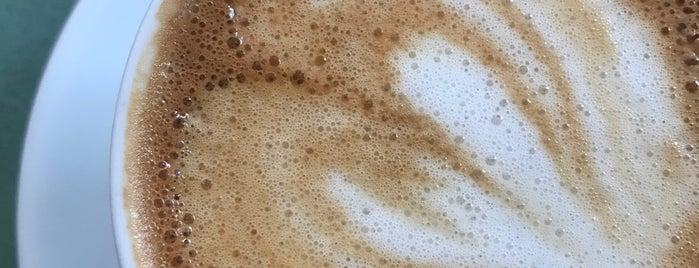 Uggla Kaffebar is one of Bea 님이 저장한 장소.